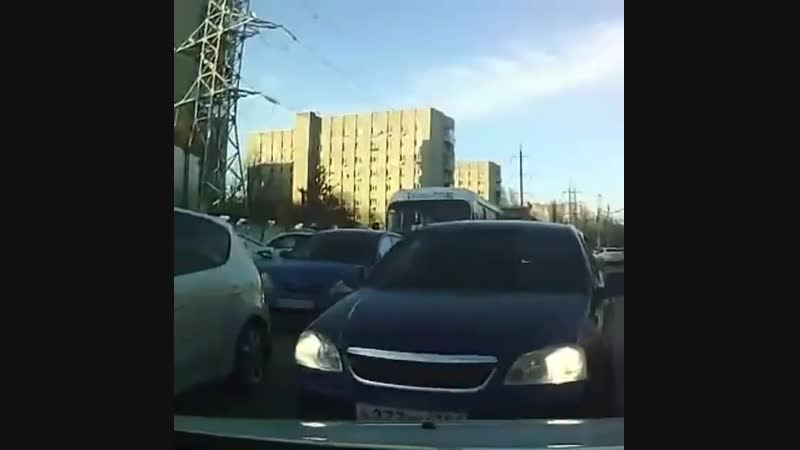 По встречке на Днепровском. 3 декабря.