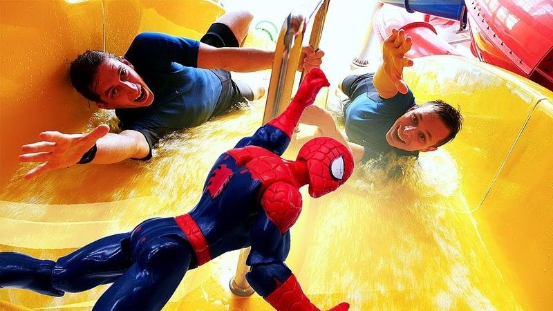 Человек Паук и Акватим - соревнование в аквапарке - Смешные видео.