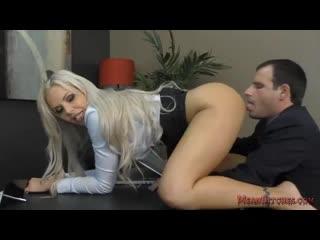 Boss nina elle makes her employee kiss her ass