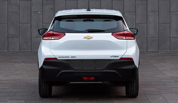 Новый кроссовер Chevrolet Tracer: первые фотографии