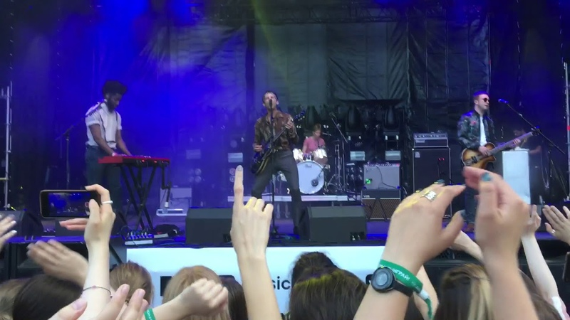 Miles Kane Colour of the Trap Live at Ahmad Tea Music Festival Moscow