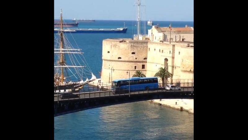Nave Palinuro - Taranto Italy