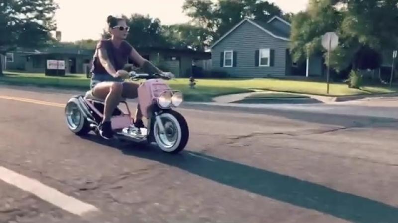 Patynelizabeth riding her ruckus