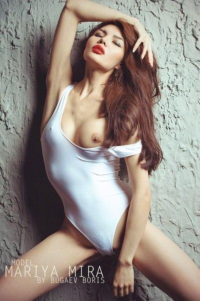 Lebanese sexy woman singer people magazine