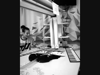 Светлана Лобода показала смешное упражнение для разогрева голосовых связок