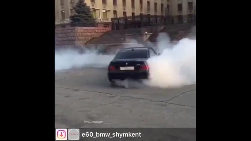 BMW_M5_60_mpower