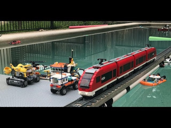 2018 Awesome Lego Train Set through the Garden Pool and House
