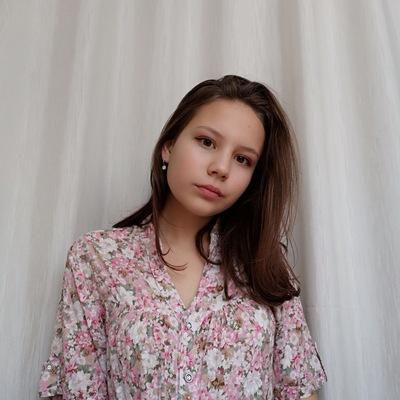 Настя Новикова