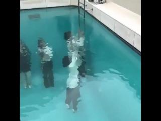 Подводная комната