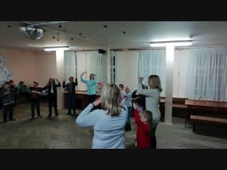 Фрагмент детской дискотеки в ВЦСПС , Танец- игра Помогатор.