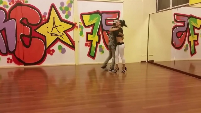 VersuS dancing Evo-Kizomba (First Urban-Kiz Dance Ever) 2013 - Stony feat. VersuS - Minha TarraXa-1.mp4