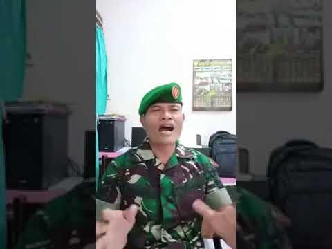Seorang TNI cover Lagu Timor Leste ( Presiza-Gerson Oliveira DAA2)