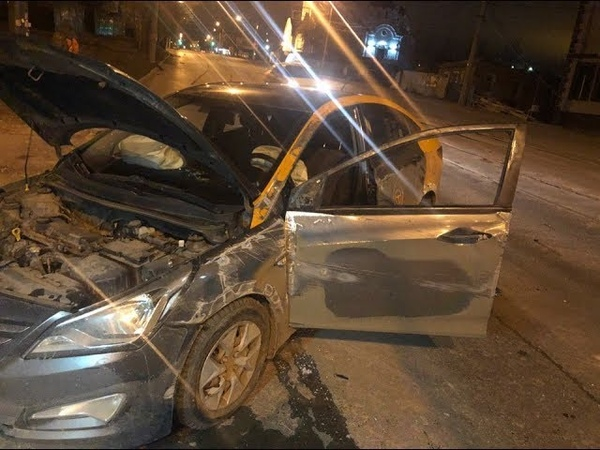 Пьяный водитель перевернул машину Делимобиль в Самаре