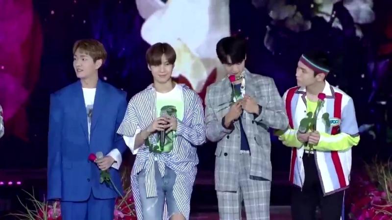 180802 SHINee на Korea Mucic Festival (читают письмо от Шавола)