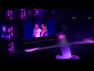 Niall Horan joined Taylor Swift on stage