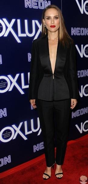 Джуд Лоу, Натали Портман и Рэффи Кэссиди на премьере фильма «Vox Lux» в Голливуде