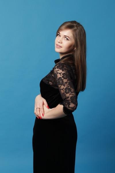 Алина Санжакова