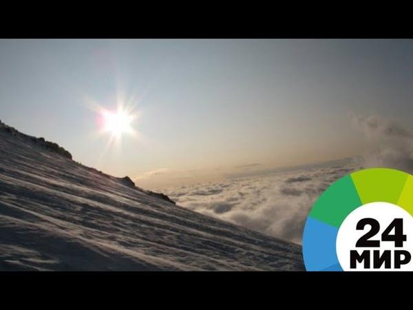 Из трещины на Эльбрусе достали альпиниста-москвича - МИР 24