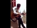 Китаец полностью отдается музыке