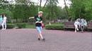 ДЕВУШКА КЛАССНО ТАНЦУЕТ В ПАРКЕ! Music! Dance!