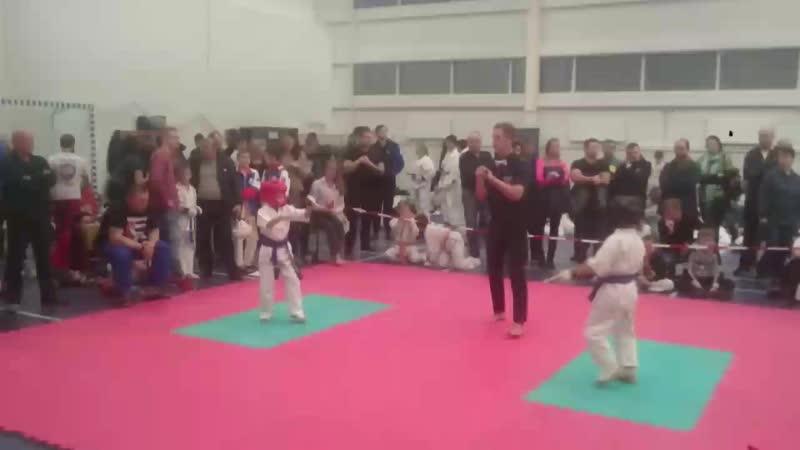 Саня Шибалов 3 бой 28.10.2018 полуфинал