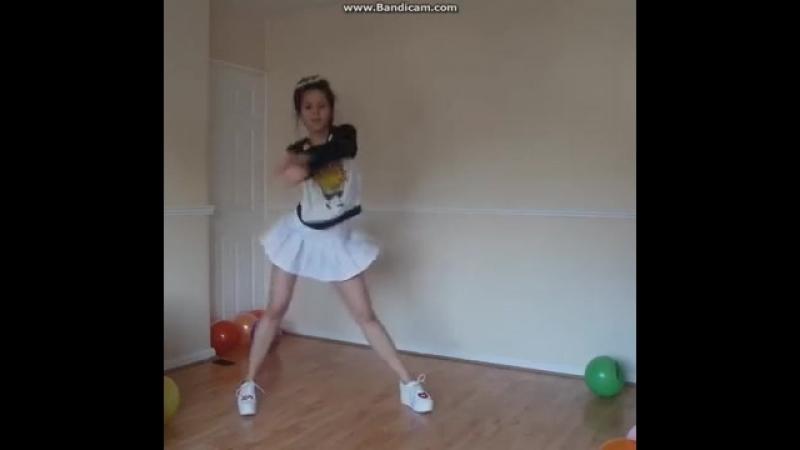 подросток девочка танцует в перископе. teen girl dance periscope.