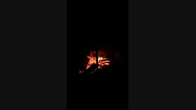 Пещера на Тепе-Кермен. Алексей после ужина играет на дрымбе. 11.11.2018г. (ВИДЕО Шахов А. В.)