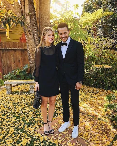 Звезды «Супергерл» Мелисса Бенойст и Крис Вуд помолвлены Фанаты сериала «Супергерл» могут поздравить с помолвкой Мелиссу Бенойст и Криса Вуда. О том, что она сказала «да», подписчики актрисы
