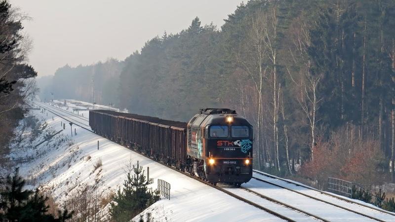 Zima i efektowny przejazd Gagarina M62-1812 przez Bory Dolnośląskie.