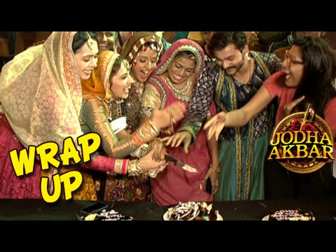 Jodha Akbar Wrap Up Party | Cake Cutting With The Cast