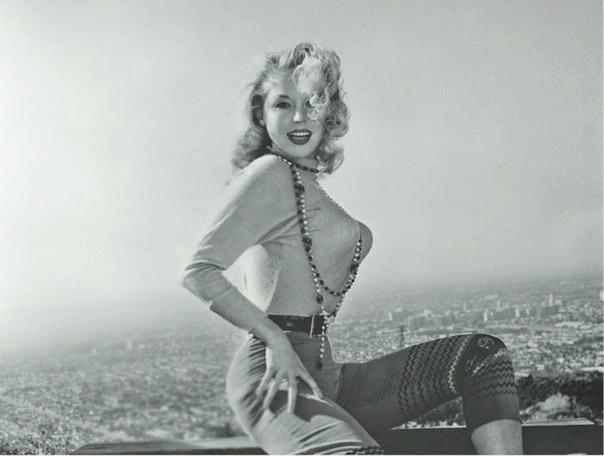 Бетти Бросмер удаляла ли ребра Бетти Бросмер: первая красавица 50-х Мода на внешность с годами меняется, но истинная красота ценится всегда. Ее признают во все времена. Ярким тому подтверждением