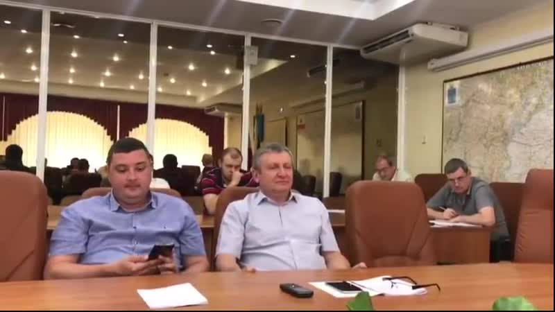 Не умеют работать , пусть, к чёртовой матери пишут заявление - Николай Бондаренко разнёс едросов, обвинив их в лицемерии..mp4