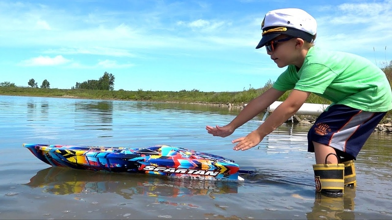 NEW Capt. MOE his 1ST SPEED BOAT Experience - TRAXXAS SPARTAN ProudParenting | RC ADVENTURES