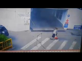 Топ 5 страшных дтп снятых уличной камерой. жесть