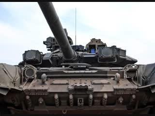 Динамический показ собранной модели танка.
