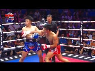 Безжалостная тайская молодёжь и терпеливый реф. Max Muay Thai.