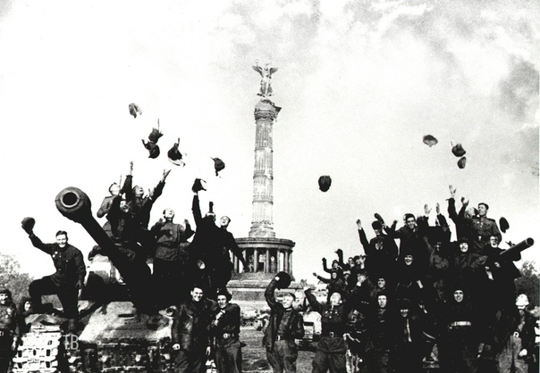 Советские солдаты в Берлине. Май 1945 года.., часть 2 (Часть 1- в предыдущем посте).