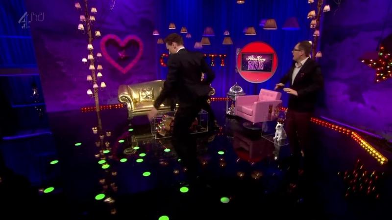 Том Хиддлстон(он же Локи)танцует