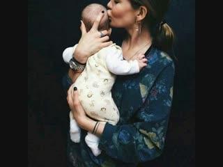 Мама, - одно слово, а словно молитва : В жизни каждого, стучать заставляет сердца - своих детей (автор и исполнитель : Xunuxan)
