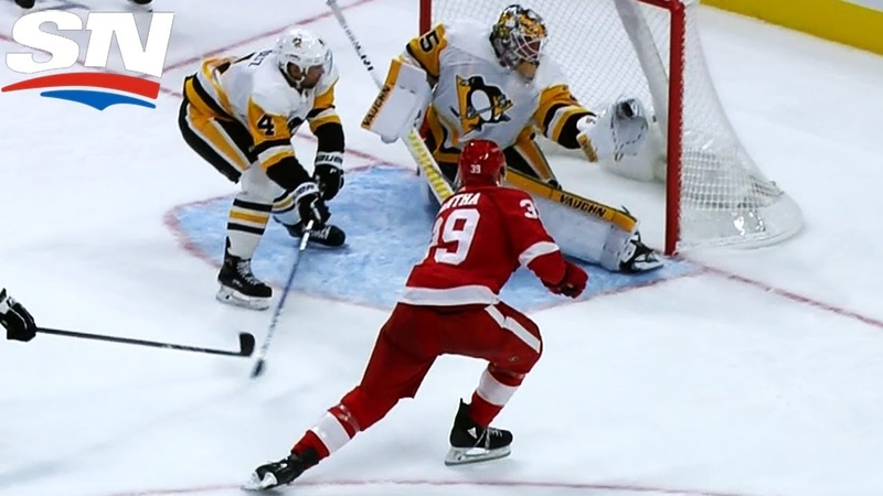 Penguins' Jarry Makes Glove Save On Red Wings' Mantha