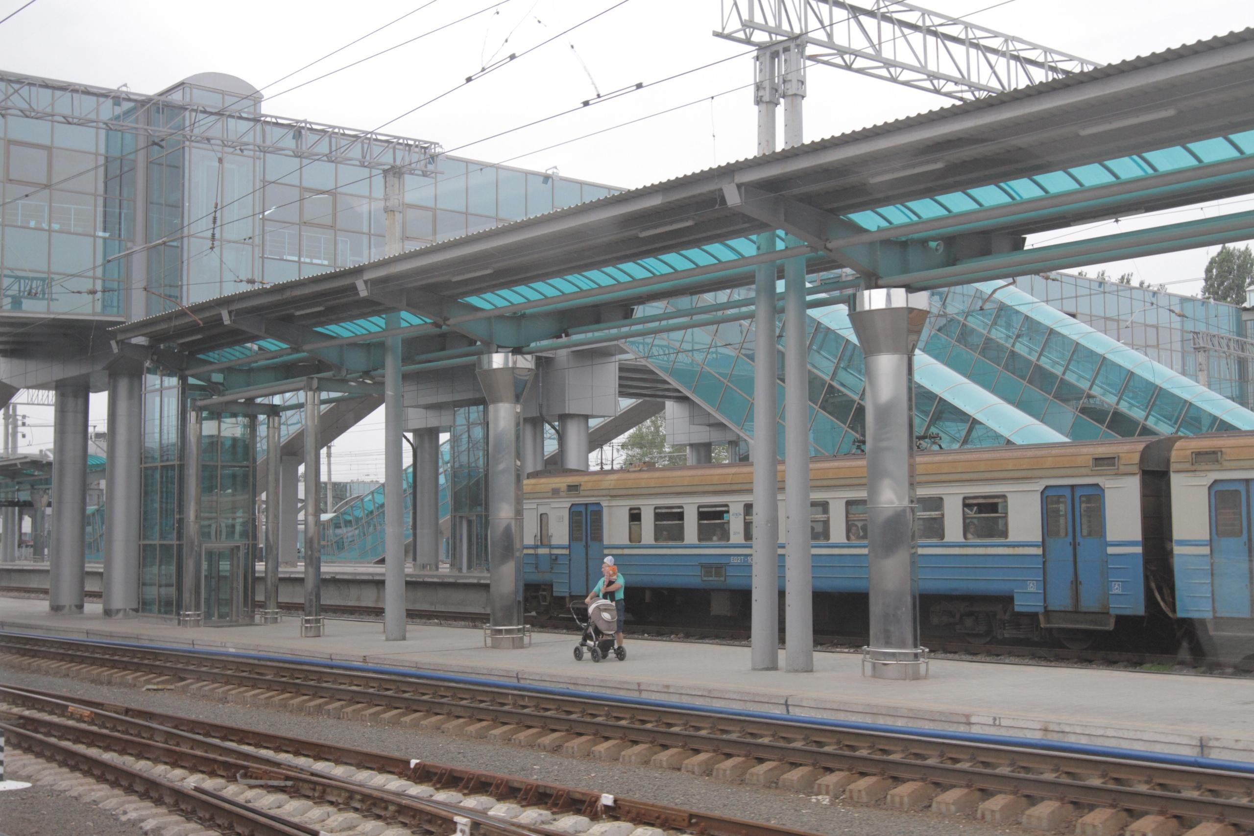 Мрак: сеть поразило новое видео с вокзала оккупированного Донецка