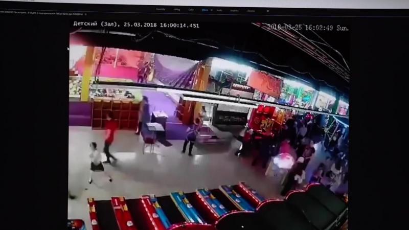 Кто вырезал недостающие минуты с камер наблюдения Зимней Вишни؟...
