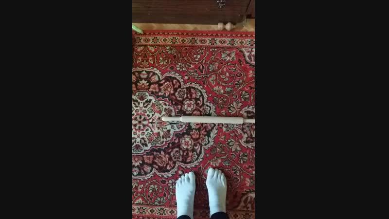 Упражнение на стопы ног