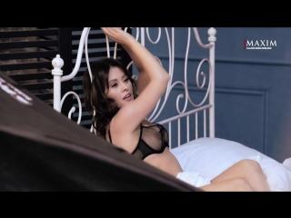 Мария Кравченко (Comedy Woman) голая в фотосессии для журнала Maxim Россия (июль 2018) HD 1080p