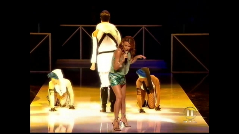 Kylie Minogue - Cant Get You Out Of My Head (Live NRJ Music Awards 19-01-2002)