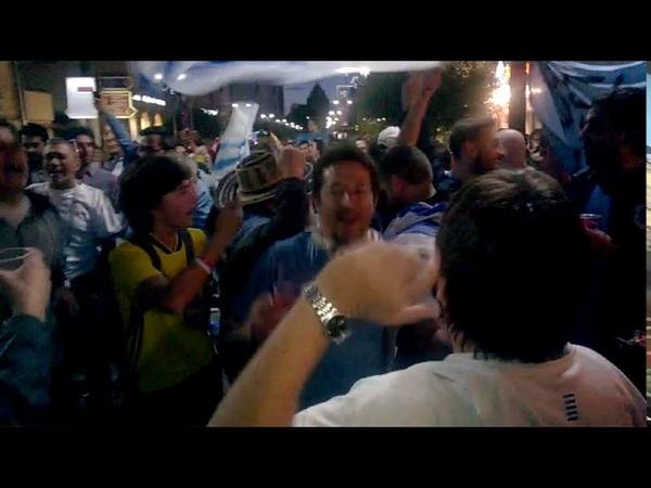 Los uruguayos cantan en Nizhny Novgorod 6 07 2018 en Rusia