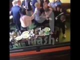 Кокорин и Мамаев избивают чиновника Минпромторга в Кофемании