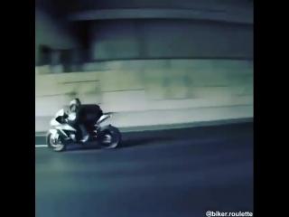 motosiklet.sevdalilari_BlmjSAXHp22.mp4