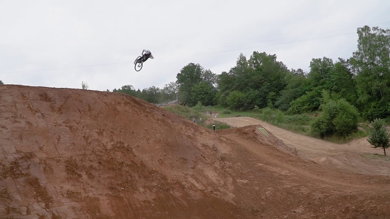 1 Minute of Raw Riding from Loosefest XL