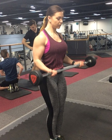 """""""Finished off yesterday's back session with a few curls...I have pretty bad bicep DOMS today which I'..."""